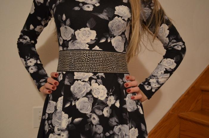 Sequined belt