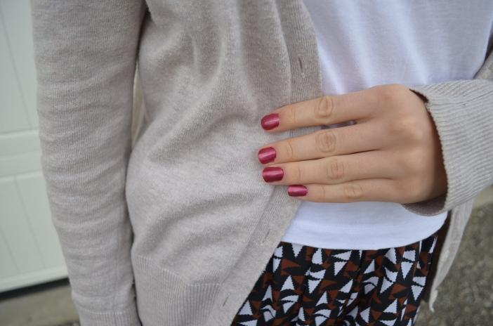 4 plum manicure